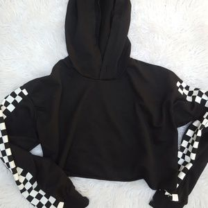 Sweaters - Checkered black and white cropped hoodie